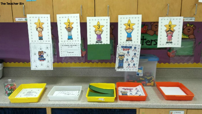 Workshop is the perfect way to get several different tasks done in the classroom. This is an easy way to get workshop set up in your classroom and run smoothly throughout the year. There are great free workshop set up printables to get you started today! #workshop #kindergartencenters #kindergartenworkshop #literacycenters #mathcenters #writersworkshop