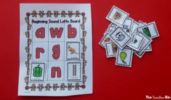 This Gingerbread Activity is the best for learning beginning sounds! Have fun with this beginning sound game all December long and enjoy the Gingerbread theme! #beginningsoundgames #gingerbreadactivity #kindergartengingerbreadactivities