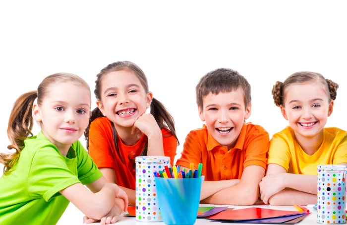 Table captains are a simple way to manage your classroom. Check out these simple tips to incorporate table captains and cut down on the chaos! Kindergarten classroom management will be so much easier with table captains! #classroommanagement #kindergartenclassroommangement #classroommanagementtips