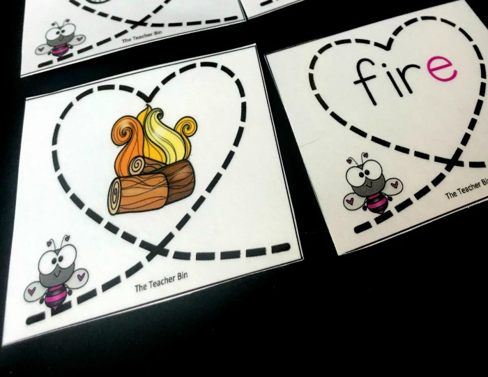 A great CVCe Card game to reinforce the teaching of these words. Comes with 36 picture cards and 36 word cards. A fun Valentine's Day Theme.